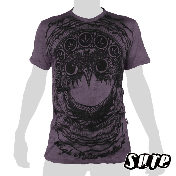15.99 € size L wrinkle-fabric T-shirt 100% cotton. Fancy Owlhead staring adamantly embellished with a pattern including cannabis-leaves...