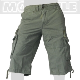 41.- € 50006 in Safarigrün. 4 der 8 Taschen sind mit Laschen und eisernen Knöfen versehen, 2 weitere Taschen haben einen Reißverschluss