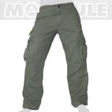 45.- € Molecule Modell 50005 in Safarigrün. 4 der 8 Taschen sind mit Laschen und eisernen Knöpfen versehen, 2 weitere Taschen haben einen Zipper